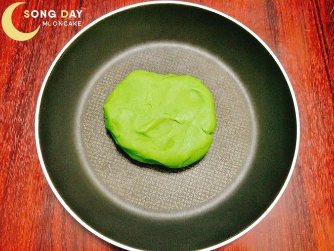 làm bánh trung thu nhân trà xanh